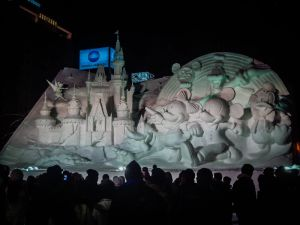 disneyicesculpture.jpg